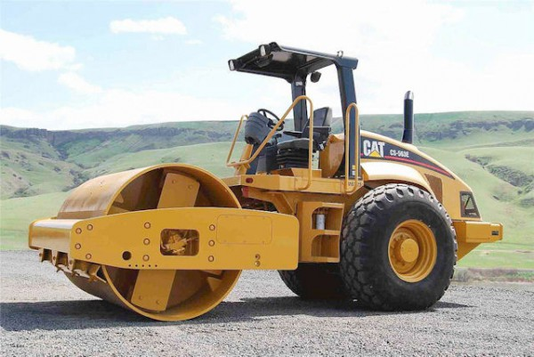 CATcs 563 15 tonnes hire sale