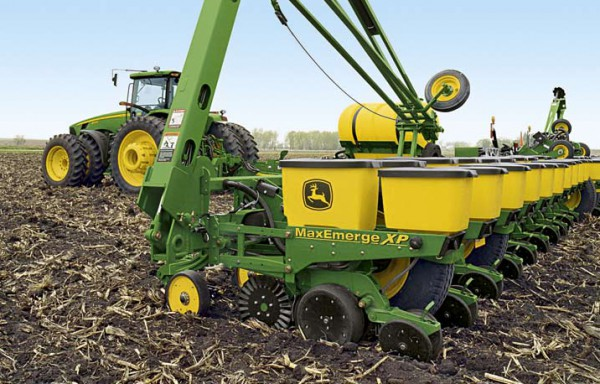 John Deere 3 row Maize Planter