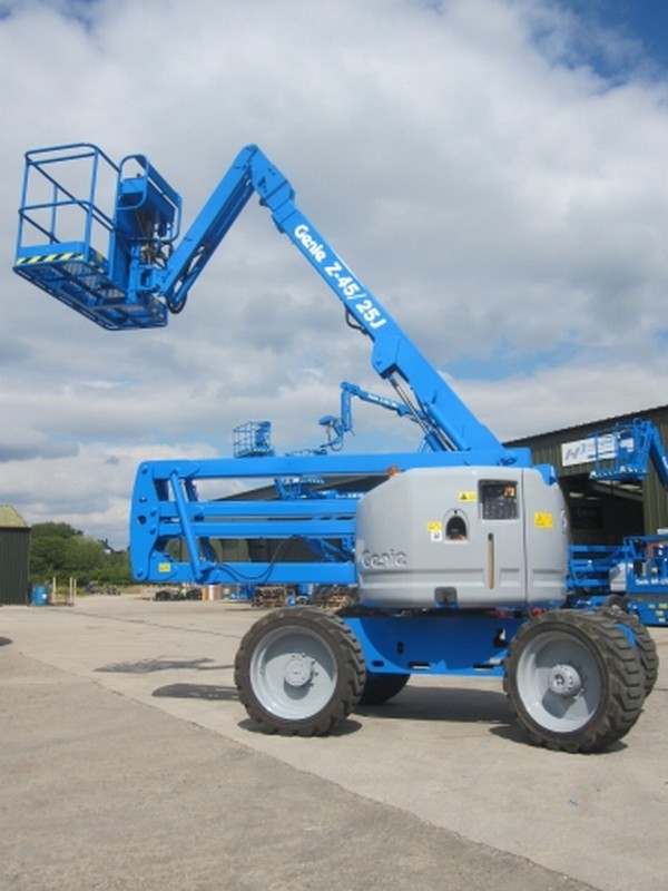 Genie cherry picker boom lift quipbank limited genie cherry picker boom lift hire sale kenya sciox Gallery